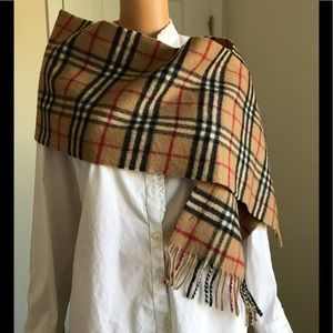 GUC Burberry vintage check scarf